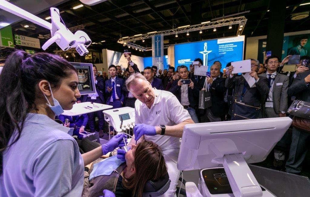 Dynamisch, innovativ und leistungsstark:Dentsply Sirona präsentiert sich als neues Unternehmen und überzeugt zur IDS 2019 mit bedeutenden Produkten
