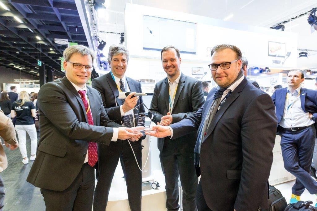 Eckhard Franz Preis geht an DentsplySirona für PrimeScan